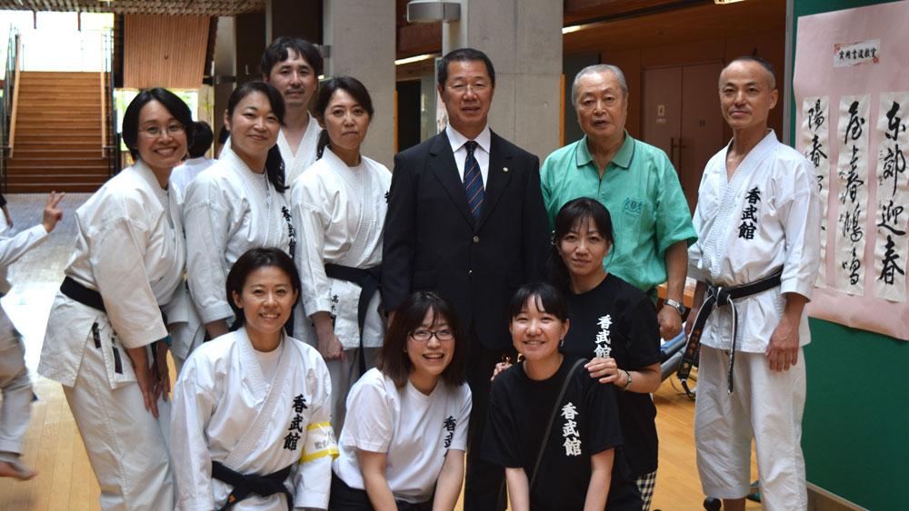 香川政夫師範が激励に来て下さいました。